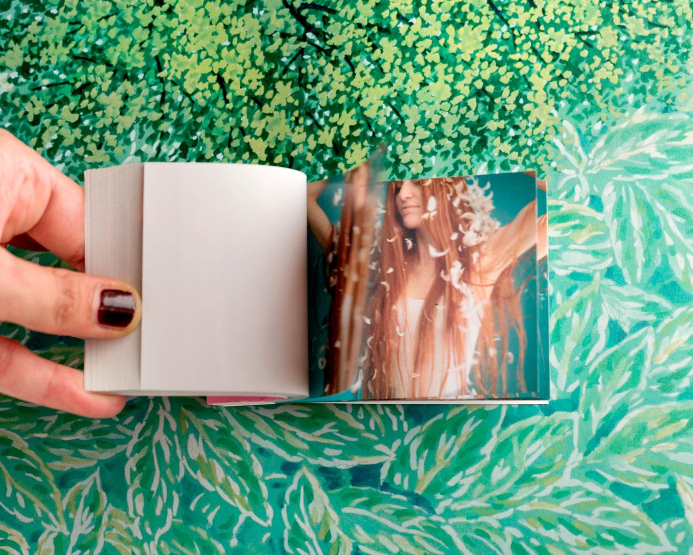 Flipbook libro personalizzato con video di ragazza che balla per regalo ad amica