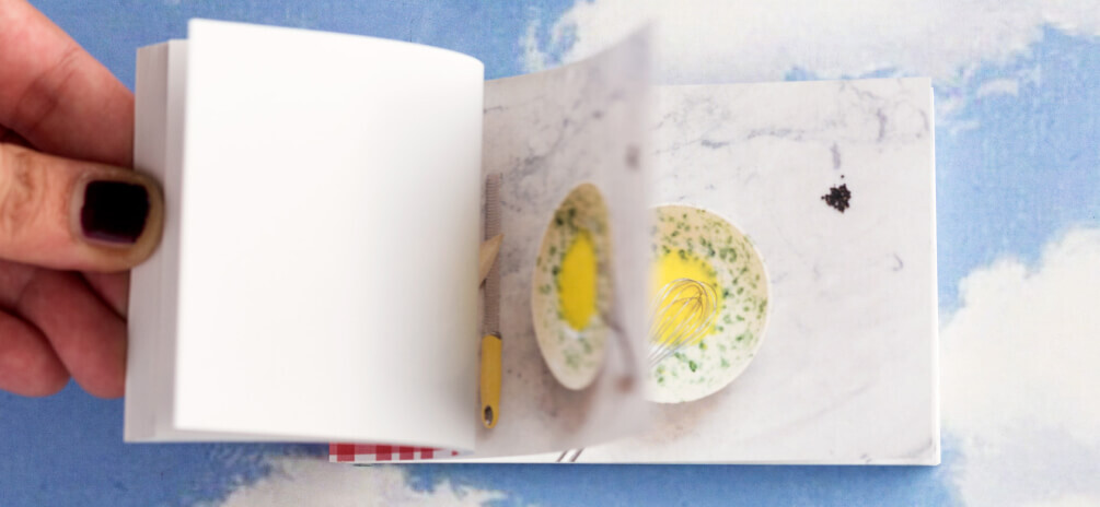 Le ricette romane, La carbonara. Uno dei tre flipbook dedicati alle ricette della cucina tradizionale romana. Sfogliati velocemente illustrano in un libro animato la preparazione della ricetta