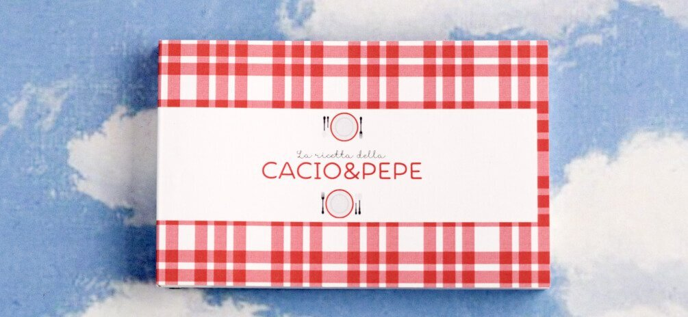 Le ricette romane, La cacio e pepe. Uno dei tre flipbook dedicati alle ricette della cucina tradizionale romana. Sfogliati velocemente illustrano in un libro animato la preparazione della ricetta